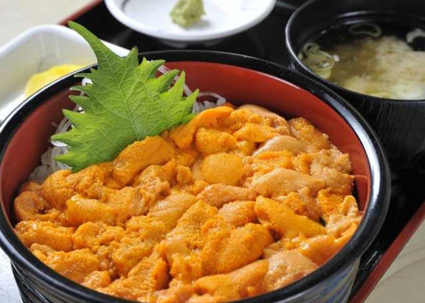積丹 半島 ウニ 丼 みさき - 積丹町その他/魚介料理・海鮮料理